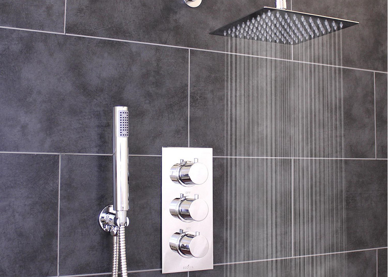 Thermostatic mixer shower installation